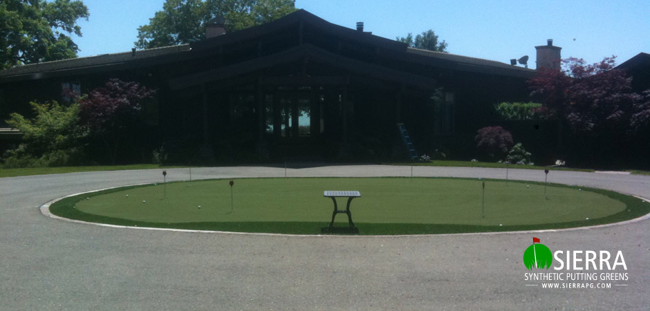 Carmichael-1,250-square-foot-putting-green