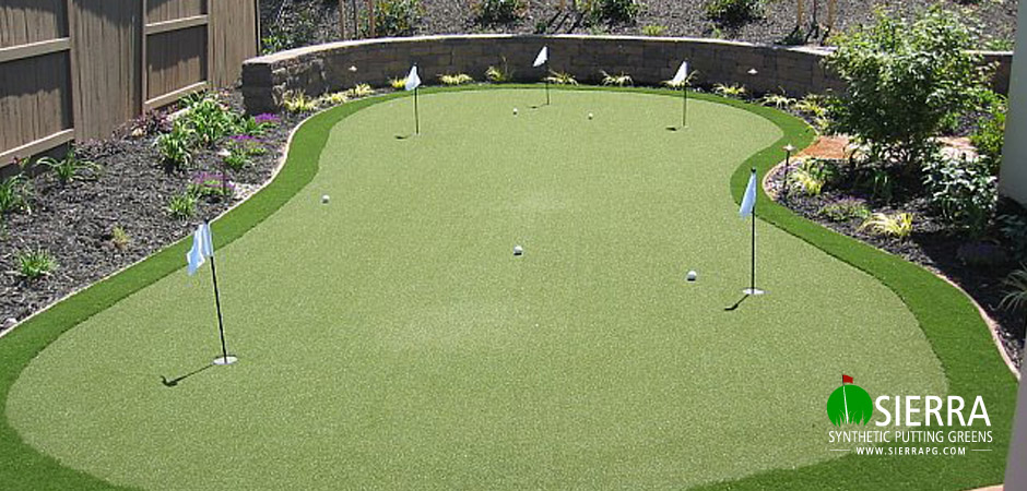 El-dorado-Hills-555-square-foot-putting-green