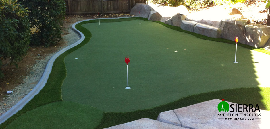 El-Dorado-Hills-640-square-foot-putting-green