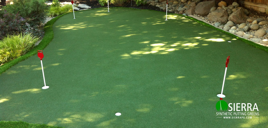 elk-grove-450-square-foot-putting-green