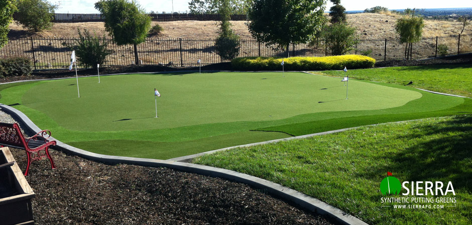 Lincoln-2,100-square-foot-putting-green-1