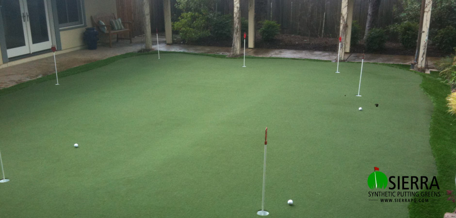 Sacramento-1,100-square-foot-putting-green